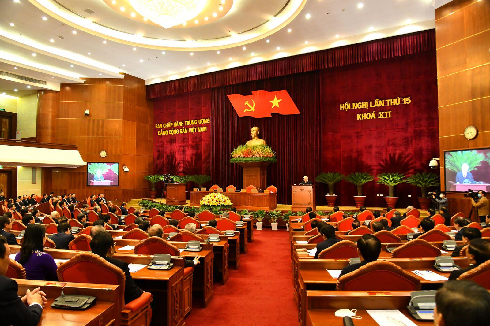 """Hội nghị Trung ương 15: Thông qua nhân sự """"đặc biệt"""" và danh sách đề cử lãnh đạo chủ chốt khóa mới"""